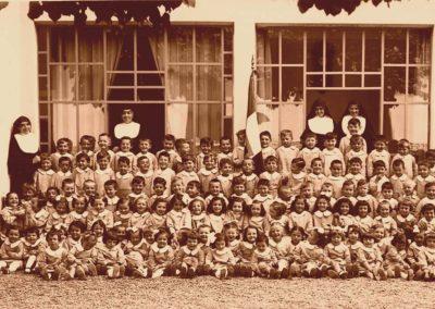 1934_gruppo-di-bambini