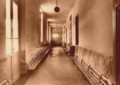 2011934_corridoio-ingresso-alle-aule50916150038_00025